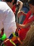 Além do picadeiro, a escola-circo apresentou habilidades motoras, claves, bolinhas, diabolô, bolas de contato e swings.