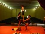 Não há a preocupação de formar artistas ou descobrir talentos, mas sim estimular a disciplina corporal, mostrando a importância da prática da arte circense.